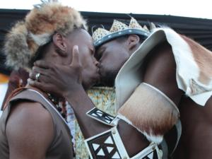 South Africa: First Traditional African Gay Wedding Ceremony [video]