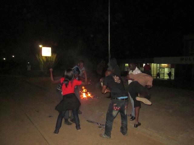 Zambia: Mulungushi university on fire, police fire gunshots at midnight